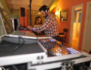 Dj Bodas Málaga Dj Bodas y Eventos Marbella DJ Barra libre fiestas Málaga